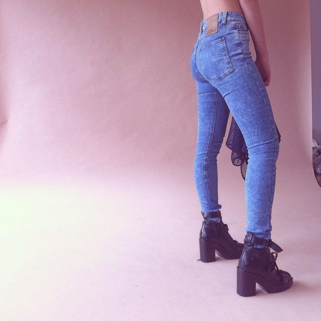 SANTA CATALINA #saturday #highrise #jeans #santacatalina #surfandwax #online #shopping #madeincolombia #LRxmas @lookhunters & @qrudacolectivo envios nacionales #colombia