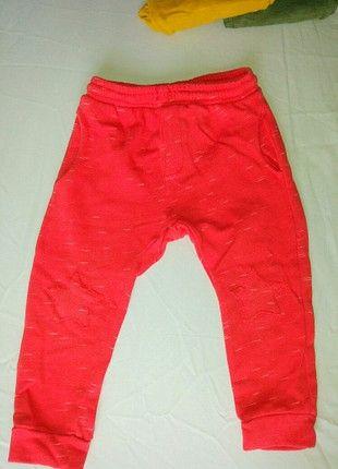 Kupuj mé předměty na #vinted http://www.vinted.cz/deti/kluci-kalhoty/18645077-krasne-detske-teplacky-zn-zara