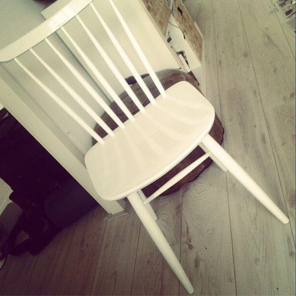 DIY: een houten stoeltje opknappen en wit verven - LiveLifeGorgeous