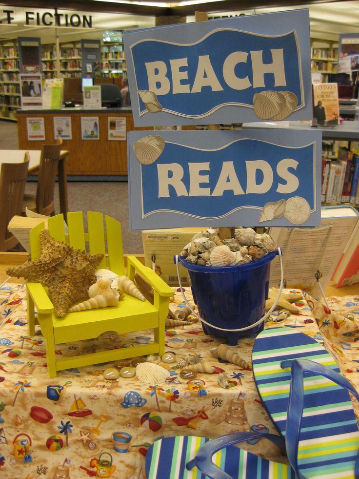 librarydisplayideas / BEACH READS!