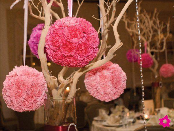 Centro de mesa de boda con cristales y ramas baby shower - Cristales para mesa ...