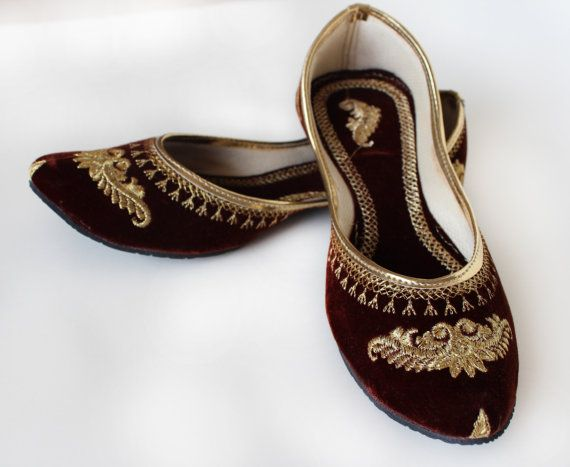 US SIZE 8 / Women Ballet Flats /Royal Brown embroidered Women