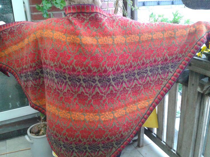 221 best sjal i mønsterstrik images on Pinterest | Knitting ...