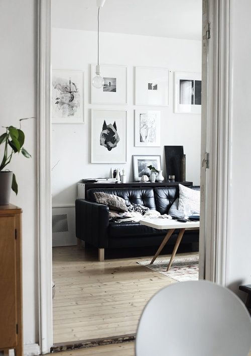 Scandinavian interiorWhite Living, Leather Couch, Scandinavian Interiors, Black And White, Black Leather, Living Room, Black White, Gallery Wall, White Wall