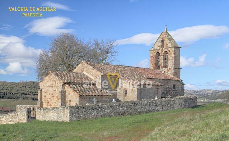 Valoria de Aguilar, Palencia. Iglesia de San Miguel, espadaña románica