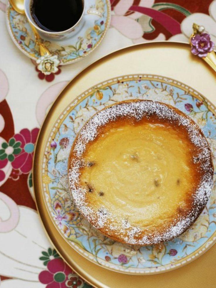 Die Kaffeetafel ist gedeckt und wir freuen uns über fruchtigen Maracuja-Cheesecake.   Zeit: 1 Std. 15 Min.   http://eatsmarter.de/rezepte/maracuja-kaesekuchen