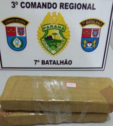 Policiais do 7º Batalhão apreende dois tabletes de maconha em Tuneiras do Oeste