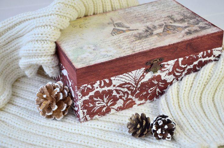 Csipkemintás karácsonyi doboz // Lace patterned box for Christmas