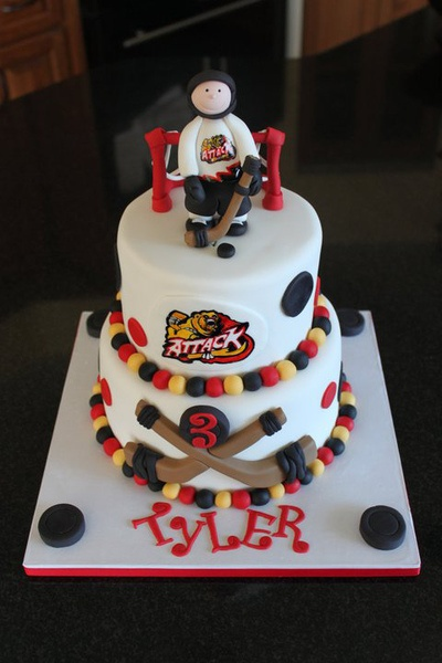 Christa submitted this fabulous cake for her local hockey team.    #BakeToScore #hockey #baking #RedpathSugar #cake
