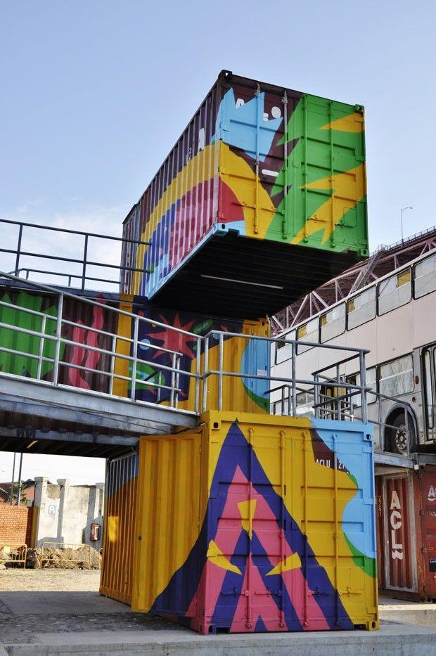 Vila de cultura e contêineres Portugal ganha projeto exótico e sustentável