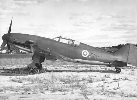 Valtion PM.3 Pyörremyrsky. Sólo un PM- 1 prototipo fue construido, que hizo su primer vuelo el 21 de noviembre de 1945. el PM-1 es ahora parte de la colección del museo de la fuerza aérea en Tampere