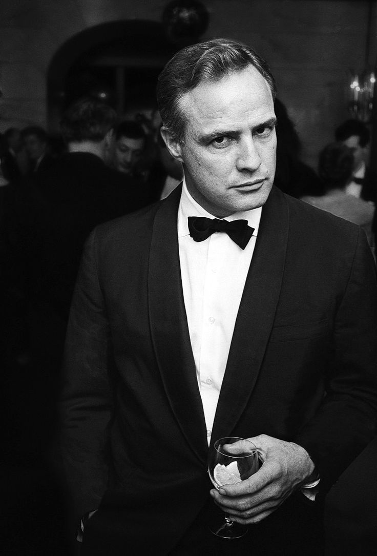 Marlon Brando      Marlon Brando at the Savoy Hotel in London on January 5th, 1967.