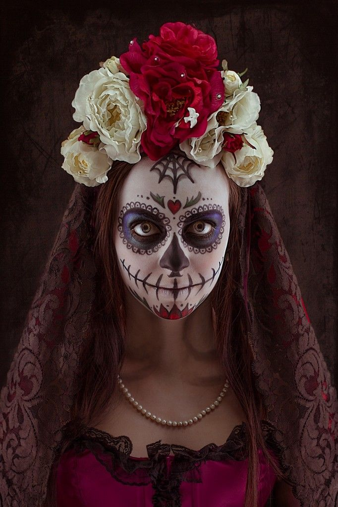 10 best id es propos de maquillage de t te de mort sur pinterest maquillage sugar skull. Black Bedroom Furniture Sets. Home Design Ideas