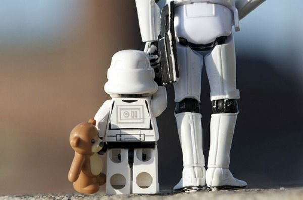 Top 10 des personnages de Star Wars expliqués à mon fils | Topito