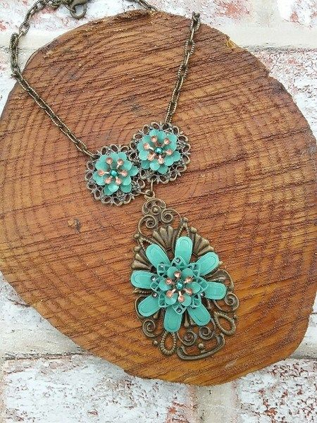 Buy Green flower necklace. Handmade by creative people crafting through DISABILITIES, CHRONIC ILLNESS or are CARERS