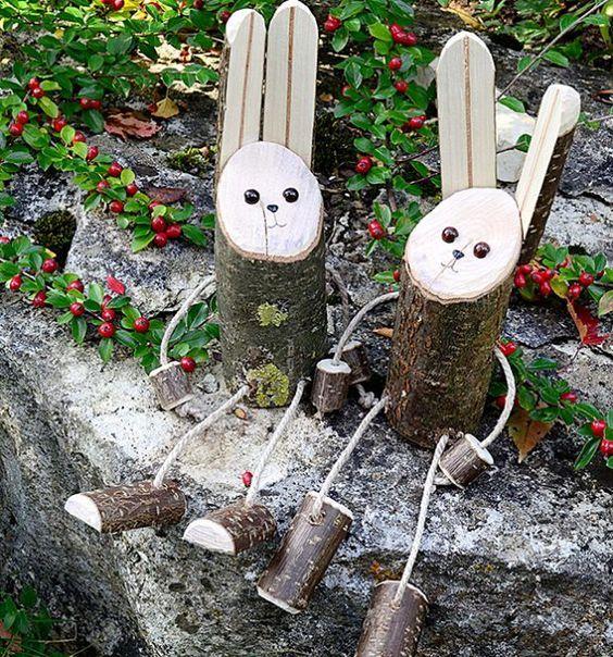 Paashaasjes van boomstammetjes