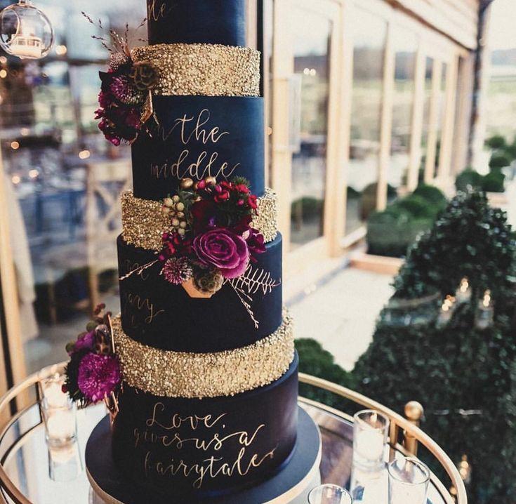 Winter ❄️ Wedding  Cake