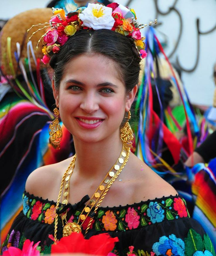 Lady from Chiapas, Mexico. Chiapas is a southern Mexican state bordering Guatemala. Its mountainous highlands and dense rainforest are dotted with Mayan archaeological sites and Spanish colonial towns.