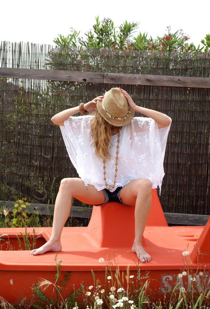 Pure Silk White Blouse Tunic Cotton Embroidered One Size Tunica Blusa Mare Donna Bianco Ricamata Boho Hippie Gipsy 100% Seta Taglia Unica di BeHappieWorld su Etsy