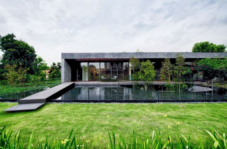 The Wall House / FARM
