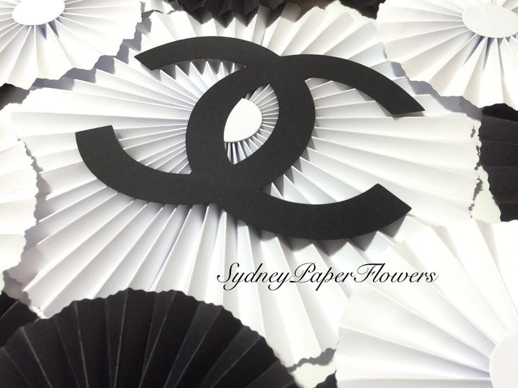 DIY backdrop - set of 20 paper fans for CHANEL party  https://www.etsy.com/au/listing/268258307/diy-chanel-party-rosetes-set-pinwheels