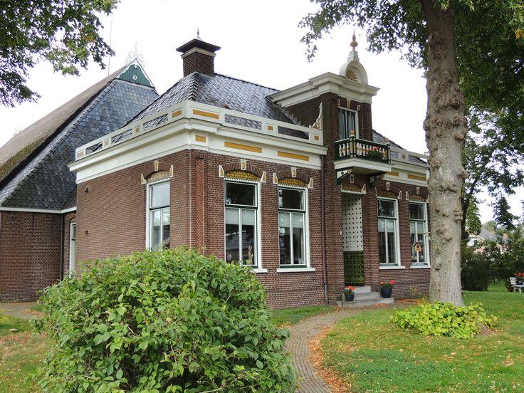monumentale Boerderij in Twijzel Achtkarspelen. Bayke foto