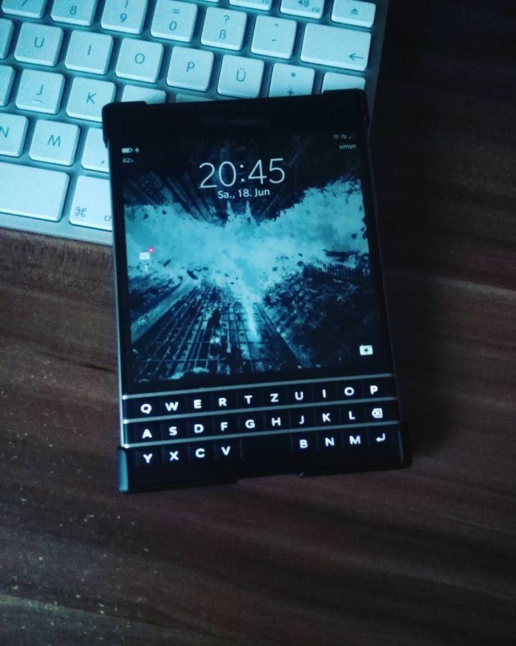 #inst10 #ReGram @scott_fanderl: Hello is it u.  #blackberrypassport #blackberry #passport #dailydriver #batman #oldphone #use #today #crazy #love #BlackBerryClubs #BlackBerryPhotos #BBer #BlackBerryPassport #Passport #BlackBerry #BlackBerryMens #BlackBerryClassic #Classic