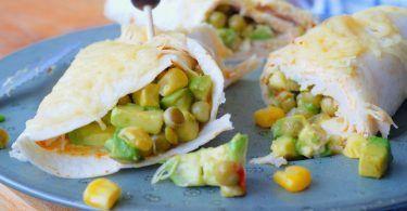 Burrito met kip en avocado