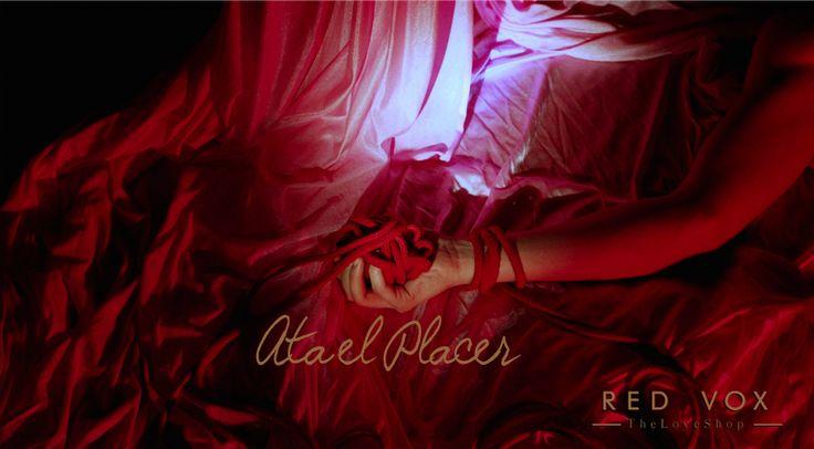 Juegos y trucos sexuales para dominar en la cama.  Cuerdas y ataduras para el placer.  Frases Sexo Bondage