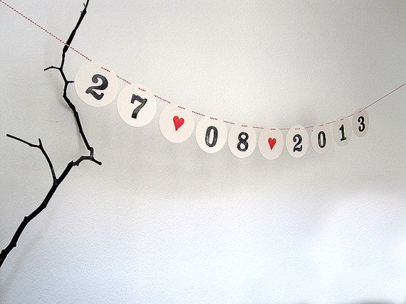 Save the DATE garland // Custom date bunting with the wedding date for the Invitation by renna deluxe