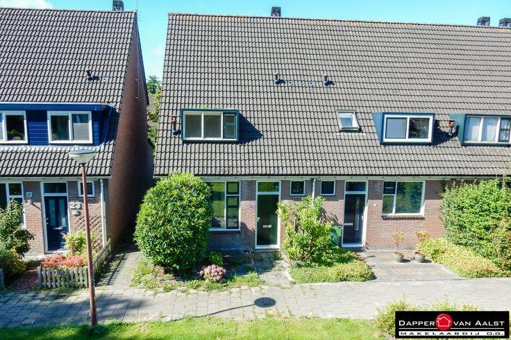 Een heerlijke hoekwoning met 3 slaapkamers, een ruime zolder en een zonnige achtertuin op het zuidwesten. Met het centrum van Alkmaar op fietsafstand. Kom jij een kijkje nemen? Klik hier: http://www.makelaar-alkmaar-dapper-vanaalst.nl/woning/alkmaar-klokkengieterstraat-22/#utm_sguid=158143,b3f274db-8417-491b-f74b-7bce4db55666