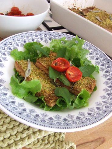 Tofu al forno con panatura di pistacchi. E un bel discorso sui latticini, proteine animali e stadi infiammatori