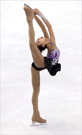 Kim Yuna~wins Gold in Figure Skating at the 2010 Olympics <3