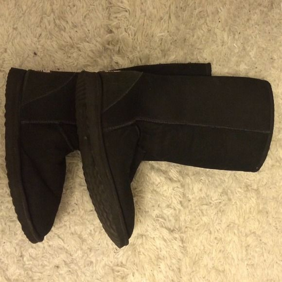 Merino Australian Ugg Boots - USED Black Merino Australian Ugg Boots - Size 10. These boots were worn maybe 5-7 times but not great for living in NY hence the reason for me listing them. Price dropped $10 on 11/18. UGG Shoes