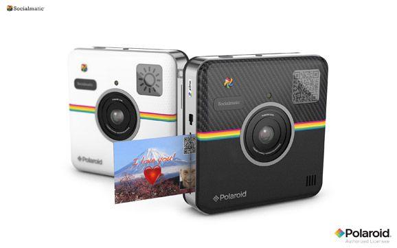 Η Polaroid κάνει το comeback με τη νέα ρετρό κάμερα, Socialmatic η οποία έχει το logo του Instagram και εκτυπώνει φωτογραφίες στη στιγμή.