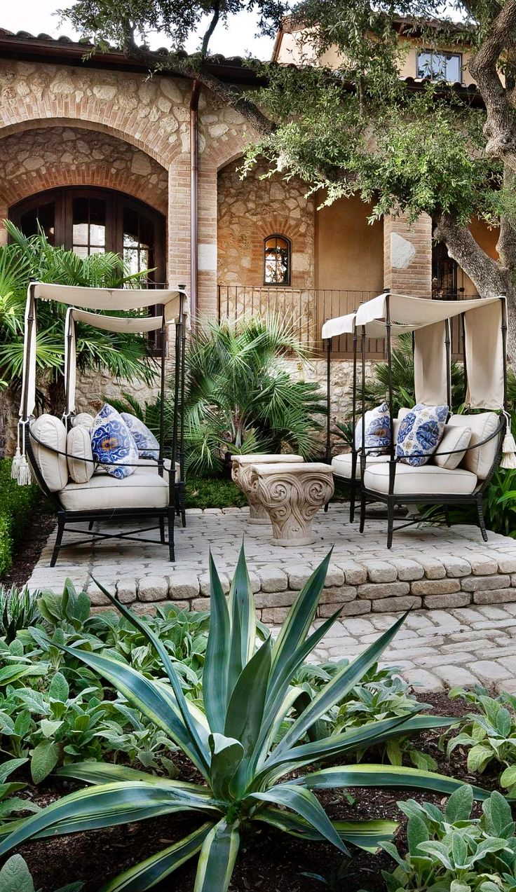 Comfortable looking seats and a nice area for outdoor get-togethers.