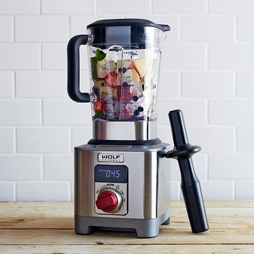 Looking for the best smoothie blender? Beachbody asked me to put numerous ones to the test to see which was the best when it came to value, appearance, and of course, performance.