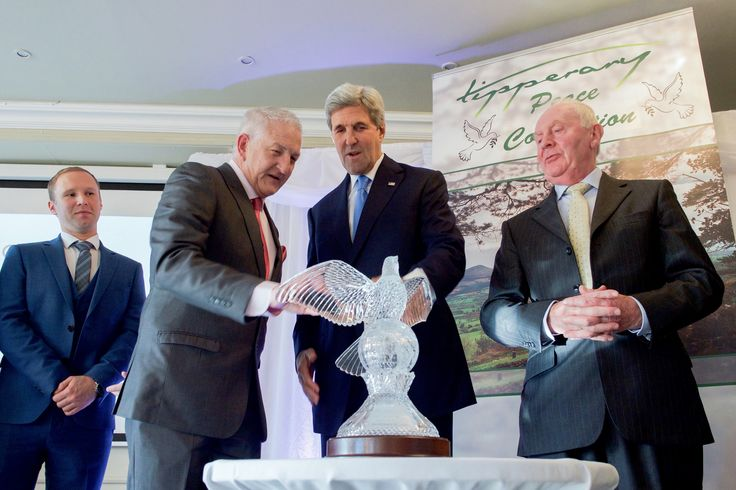 https://flic.kr/p/NzNDAK | Secretary Kerry Looks at a Crystal Dove of Peace After Receiving the Tipperary Peace Award | U.S. Secretary of State John Kerry looks at a crystal dove of peace after being given the Tipperary Peace Award on October 30, 2016, at the Aherlow House Hotel in Tipperary, Ireland. [State Department photo/ Public Domain]