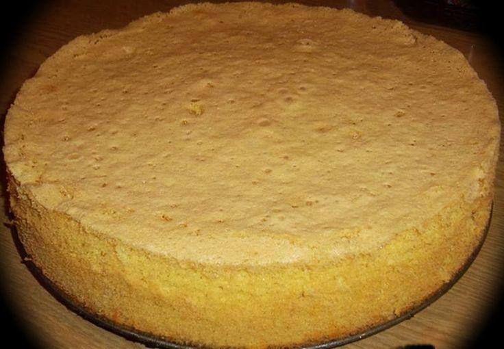 Puszysty biszkopt na torty lub ciasta.   Składniki :  Biszkopt jasny :                     Biszkopt ciemny ( cze...