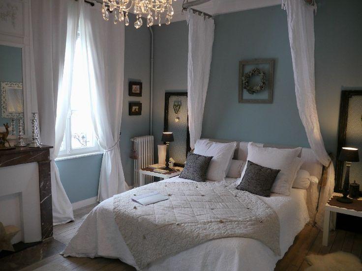 Maison d 39 h te le 33 florence michon chambre bleue la for Chambre hote florence