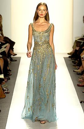 Such a beautiful blue gown with gold accents. If only...