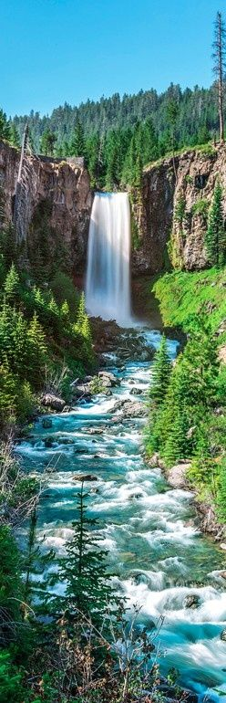 19MOst Beautiful PLaces to Visit inOregon - Tumalo Falls on the Deschutes River in Central Oregon