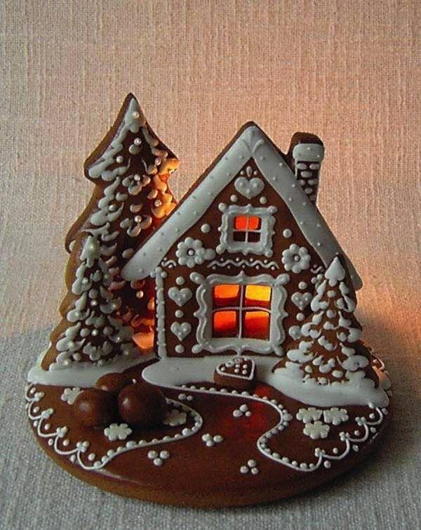 Z perníkového cesta sa dajú vyrobiť nie len obyčajné perníky, ale aj nádherné chalúpky, ktoré budú dokonale skrášľovať vašu domácnosť počas sviatkov. Načerpajte inšpirácie na perníkové chalúpky...