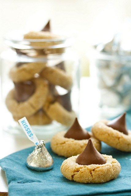 Peanut Butter Cookies with Hershey Kisses by SpandanaB, via Flickr