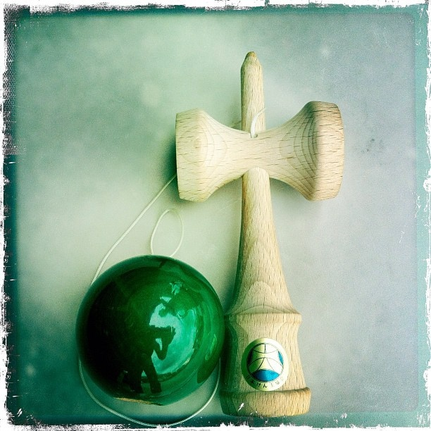 Sander's emerald green #mugen #damafest2011 #kendama #epic