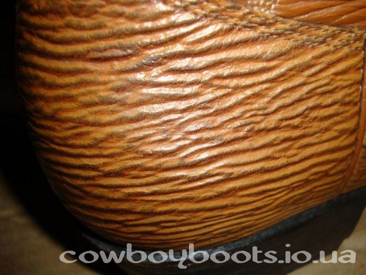 Мужская обувь из кожи акулы