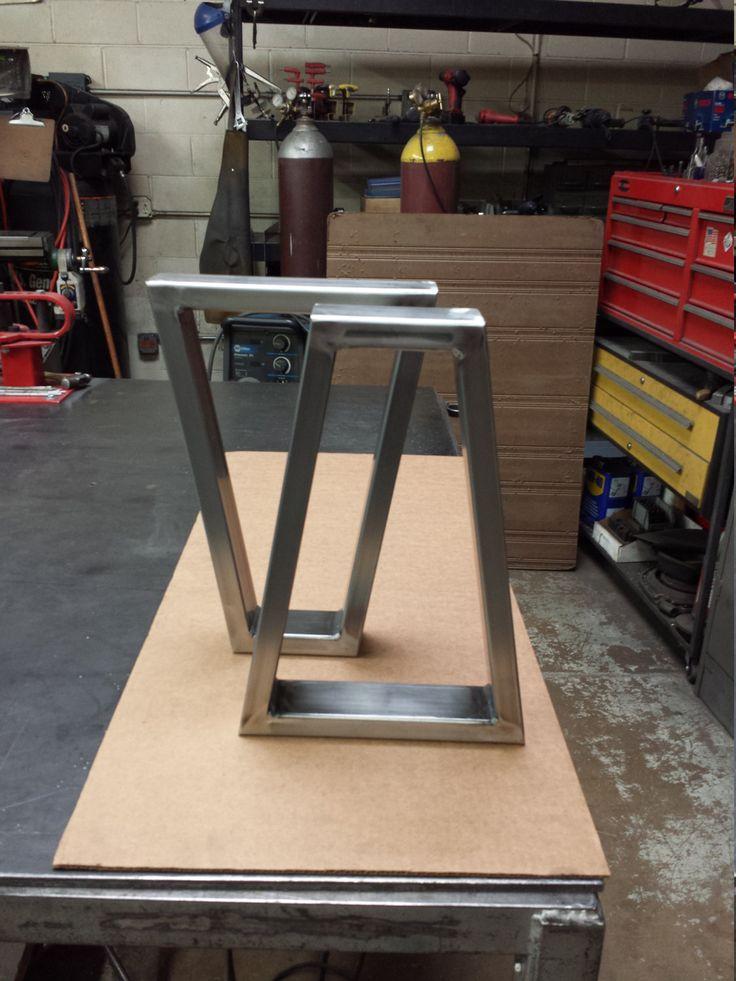 Patas de tubo de acero trapezoide comedor Banco de por DVAMetal