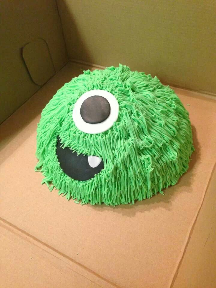 Monster birthday smash cake