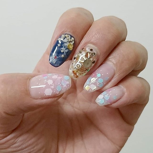 Bright Colors For New Year Nails 2019 Clock Design New Year S Nails New Years Nail Designs Holiday Nails