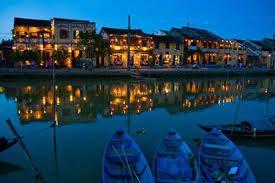 Hoi An dans la nuit.  En savoir plus : http://vivutravel.fr/destination-de-hoian
